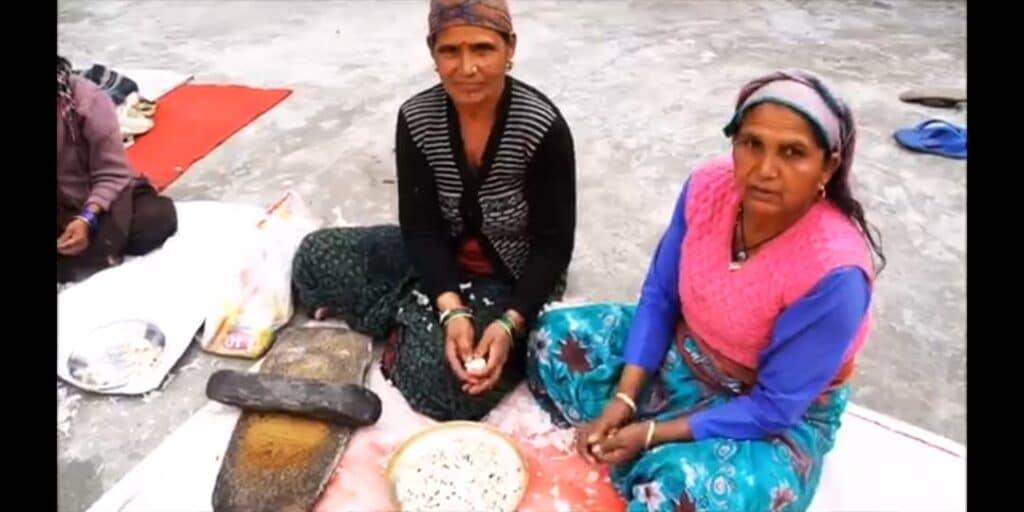 Local women preparing the Himsakti seasoned salts